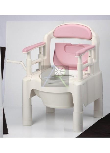 "Portable toilet chair ""ちびくまくん"""